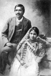 Шри Ауробиндо со своей женой Мриналини Деви